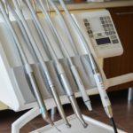 Mocne i zdrowe zęby – czyli jak dobrze dbać o swoje zęby
